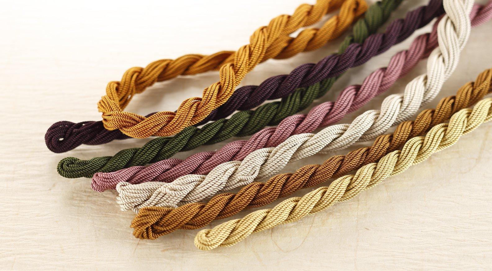 撚糸(かがり糸)