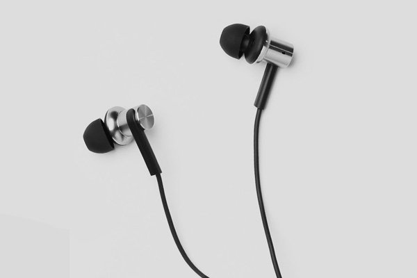 Xiaomi (小米) Mi In-Ear Headphones Pro インナーイヤホン 全2色 [6]