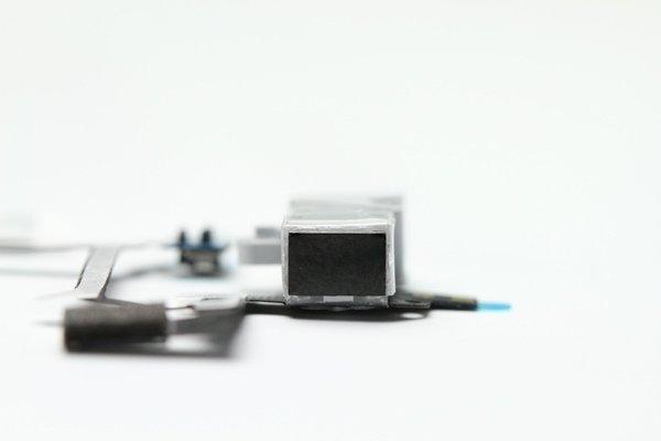 【ネコポス送料無料】Apple iPhone4 ヘッドフォンフレックスケーブル 2色あります  [2]