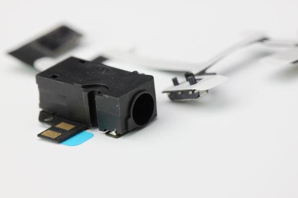 【ネコポス送料無料】Apple iPhone4 ヘッドフォンフレックスケーブル 2色あります  [4]