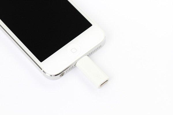 【ネコポス送料無料】Lightning(ライトニング) to Micro USB 変換アダプター ホワイト  [3]