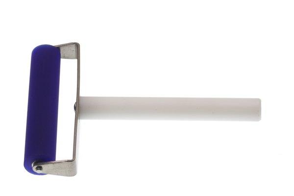 【ネコポス送料無料】液晶保護フィルムの貼り付けもこれで楽々フィルムローラー 幅10cm  [3]