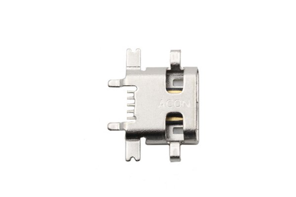 ASUS Zenfone2 (ZE551ML) マイクロUSBコネクター 交換修理 [1]