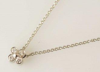 (2652) 【ティファニー】 ティファニー PT950 ダイヤ ベゼルセット フラワーデザイン ネックレス [ブランドジュエリー]