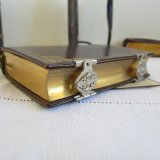アンティーク花嫁の祈祷書メタル留具1881年