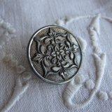 アンティーク メタルボタン花シルバー27ミリ