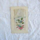 薔薇刺繍小さなカードとハンカチ付