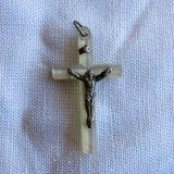 十字架キリスト白蝶貝ペンダントトップ