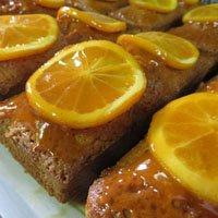 レストランの特選スイーツ「オレンジと胡桃のパウンドケーキ」M