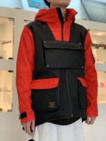 <img class='new_mark_img1' src='https://img.shop-pro.jp/img/new/icons34.gif' style='border:none;display:inline;margin:0px;padding:0px;width:auto;' />glamb / Cameraman mountain parka / Black×Red