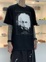<img class='new_mark_img1' src='https://img.shop-pro.jp/img/new/icons34.gif' style='border:none;display:inline;margin:0px;padding:0px;width:auto;' />SUS / Einstein 01 tee / Black