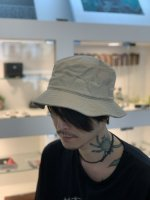 <img class='new_mark_img1' src='https://img.shop-pro.jp/img/new/icons34.gif' style='border:none;display:inline;margin:0px;padding:0px;width:auto;' />SUS / basic bucket hat / Beige