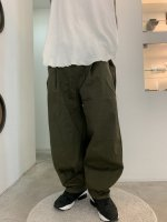 glamb / Wide balloon chino pants / Khaki