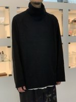 VOAAOV / compressed wool jersey high-necked / Black