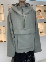 <img class='new_mark_img1' src='https://img.shop-pro.jp/img/new/icons34.gif' style='border:none;display:inline;margin:0px;padding:0px;width:auto;' />VOAAOV / compressed wool jersey anorak / Green