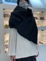 my beautiful landlet / taslan nylon down stole / Black