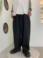my beautiful landlet / TECH WOOL BACKWARP WIDE EASY PANTS / Black