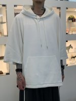 VICTIM / PONCHO PARKA / WHITE