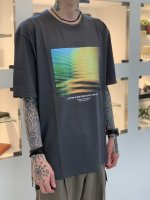 """WIZZARD / GRAPHIC T-SHIRTS """"EVERYTHING IS MORE COMPLICATED THAN VISIBLE"""" / CHARCOAL"""