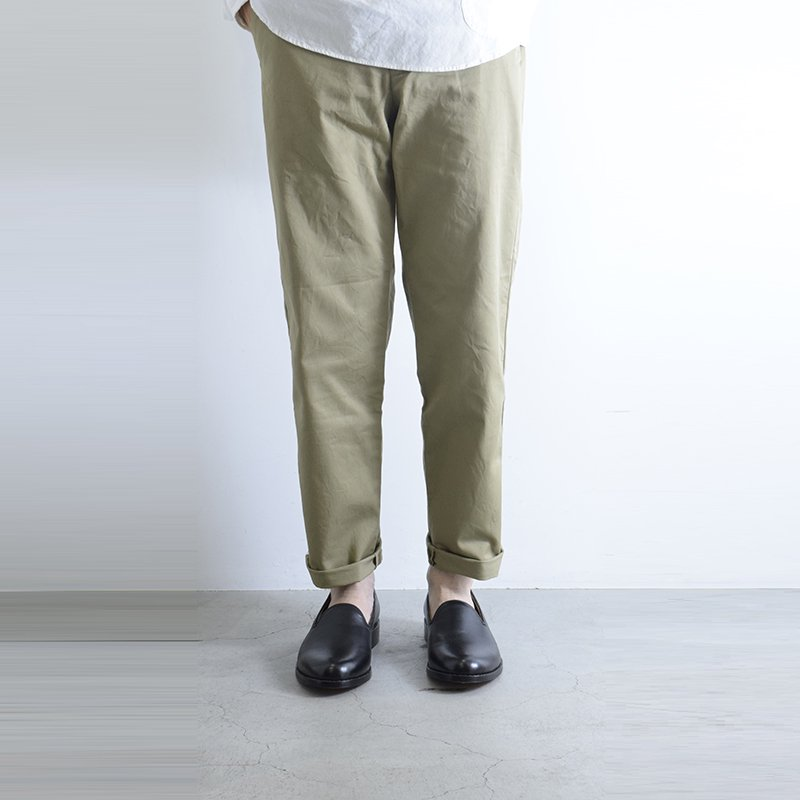 <img class='new_mark_img1' src='//img.shop-pro.jp/img/new/icons3.gif' style='border:none;display:inline;margin:0px;padding:0px;width:auto;' />STILL BY HAND<br> Classic Chino pants 【PT0091】