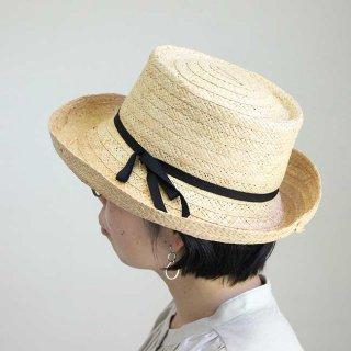 移動帽子屋AURAのラフィア帽子