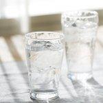 ノベルティ・粗品で人気の「炭酸水グラス(中)(245ml)(クリア)」
