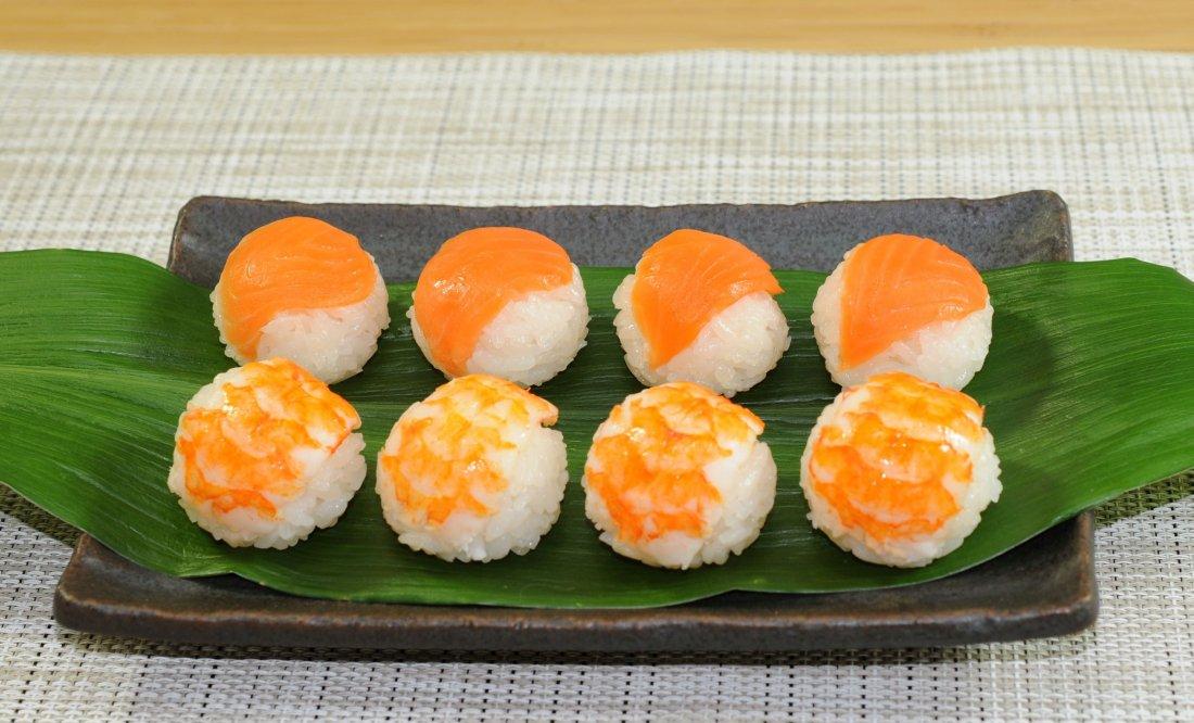 満月てまり寿司 えび・サーモンセット