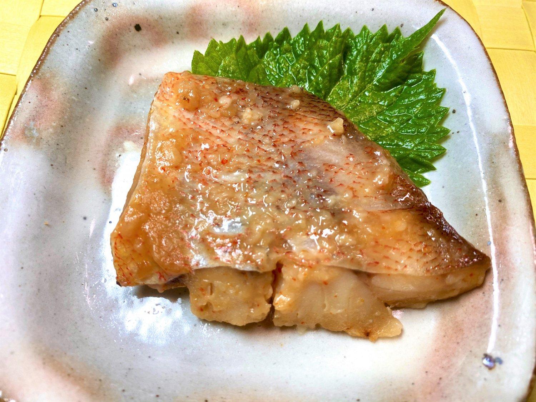 【グリルを汚さず、骨とり焼き魚!】赤魚 甘味噌焼き