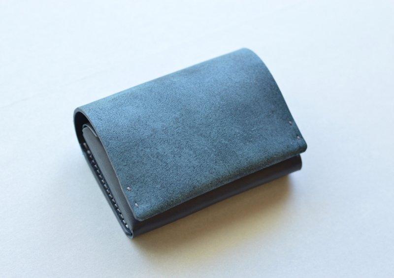 タテに仕舞う二つ折り財布|ロスレザー