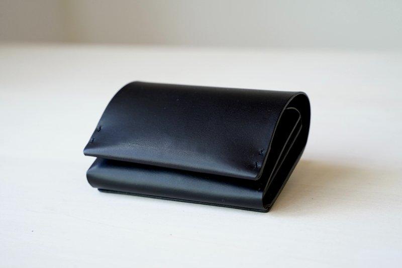 タテに仕舞う二つ折り財布