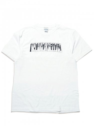 <img class='new_mark_img1' src='https://img.shop-pro.jp/img/new/icons47.gif' style='border:none;display:inline;margin:0px;padding:0px;width:auto;' />GRAPHIC TEE -White Tシャツ / ホワイト / アイエフオー / スケートアパレル