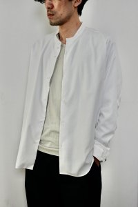 NO CONTROL AIR【ノーコントロールエアー】 マットポリエステルタイプライターマオカラーシャツ【OFF WHITE】