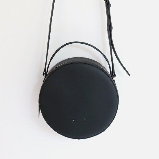 PB0110 | レザーサークルバッグ Black | D112191BB002
