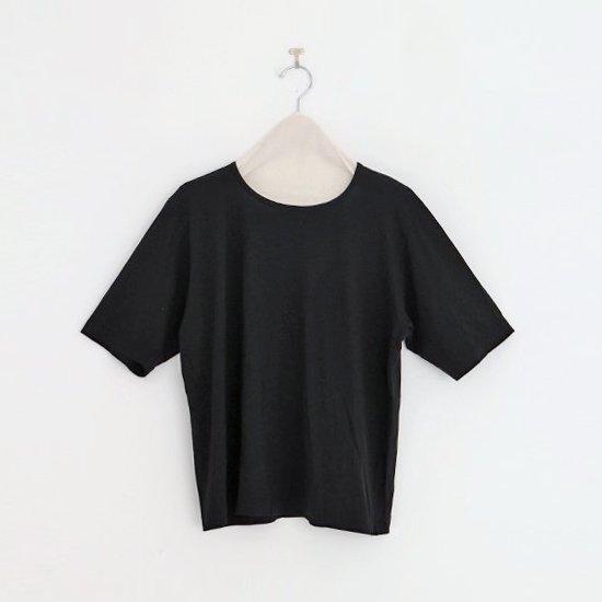 Atelier d'antan | クルーネックTシャツ〈 Neruda 〉Black | A232201TT430