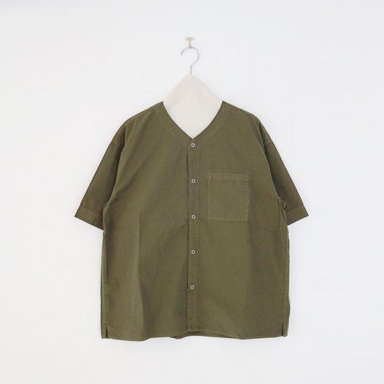 Charpentier de Vaisseau   Vネックリングボタンシャツ〈 Steen 〉Olive   C003211TS433