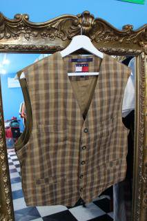 <img class='new_mark_img1' src='https://img.shop-pro.jp/img/new/icons20.gif' style='border:none;display:inline;margin:0px;padding:0px;width:auto;' />TOMMY HILFIGER CHECK VEST(トミー チェック ベスト)