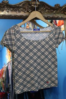 <img class='new_mark_img1' src='https://img.shop-pro.jp/img/new/icons20.gif' style='border:none;display:inline;margin:0px;padding:0px;width:auto;' />LADIES BURBERRY CHECK U-NECK SHIRT