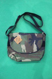 <img class='new_mark_img1' src='https://img.shop-pro.jp/img/new/icons38.gif' style='border:none;display:inline;margin:0px;padding:0px;width:auto;' />US CAMO POUCH(USカモ ポーチ)