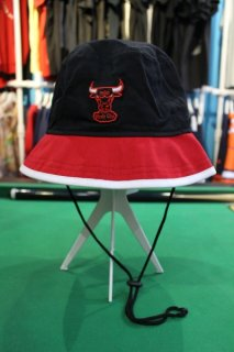 CHICAGO BULLS 2-TONE BUCKET HAT(シカゴ・ブルズ 2トーン バケット ハット)