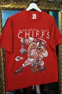 NFL KANSAS CITY CHIEFS×TASMANIAN DEVIL T-SHIRT(チーフス×タズマニアン・デビル Tシャツ)
