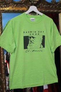 <img class='new_mark_img1' src='https://img.shop-pro.jp/img/new/icons20.gif' style='border:none;display:inline;margin:0px;padding:0px;width:auto;' />DARWIN DAY 2008 T-SHIRT(ダーウィン・デイ Tシャツ)