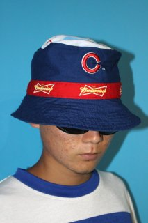 MLB CHICAGO CUBS×BUDWEISER BUCKET HAT(カブス×バドワイザー バケット・ハット)