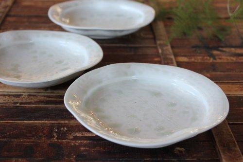 ■十朗窯・亀山サ苗:灰釉線刻四方皿
