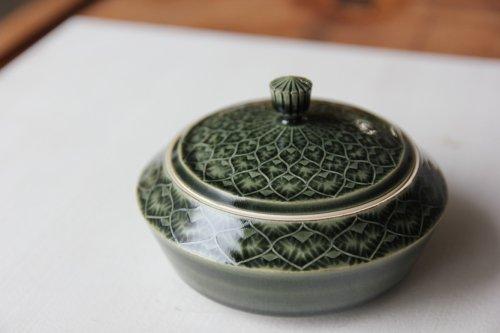 ■増渕篤宥:青釉釉象嵌蓋物