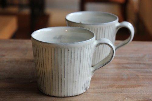 ■川口武亮:粉引しのぎ筒マグカップ