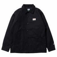 <img class='new_mark_img1' src='https://img.shop-pro.jp/img/new/icons49.gif' style='border:none;display:inline;margin:0px;padding:0px;width:auto;' />NEWERA - DUCK COACH JKT OLD LOGO PATCH