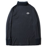 <img class='new_mark_img1' src='https://img.shop-pro.jp/img/new/icons49.gif' style='border:none;display:inline;margin:0px;padding:0px;width:auto;' />CALEE - Turtle neck thermal