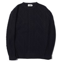<img class='new_mark_img1' src='https://img.shop-pro.jp/img/new/icons49.gif' style='border:none;display:inline;margin:0px;padding:0px;width:auto;' />CALEE - Crew neck cable knit sweater