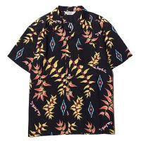 <img class='new_mark_img1' src='https://img.shop-pro.jp/img/new/icons49.gif' style='border:none;display:inline;margin:0px;padding:0px;width:auto;' />CALEE - Native aloha pattern S/S shirt