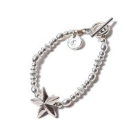 <img class='new_mark_img1' src='https://img.shop-pro.jp/img/new/icons49.gif' style='border:none;display:inline;margin:0px;padding:0px;width:auto;' />CALEE - Silver beads star chain bracelet